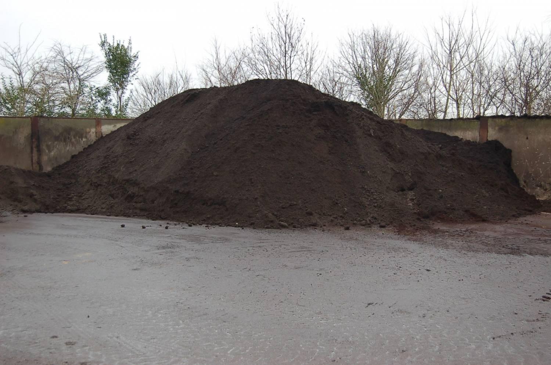 Onwijs Groencompost los vanaf 3 m3 - Nederhof Hoveniers EV-61