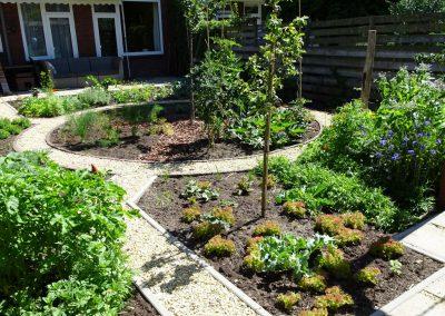 Eetbare groenten, bloemen en fruittuin in Rijswijk